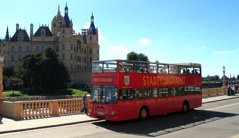 Stadt- und Schiffsrundfahrt in Schwerin